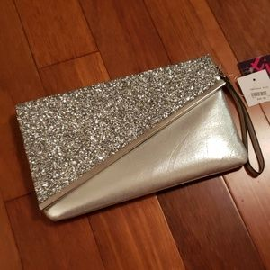 Handbags - NWT Sparkly Silver Wristlet